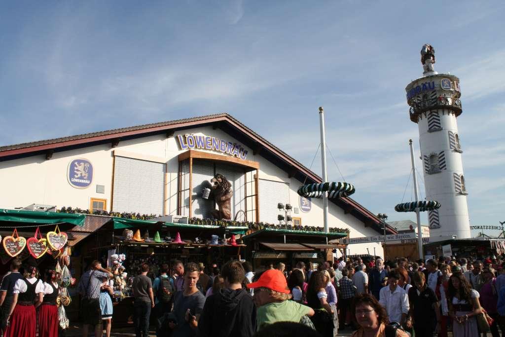 Oktoberfest beerfest Löwenbräu